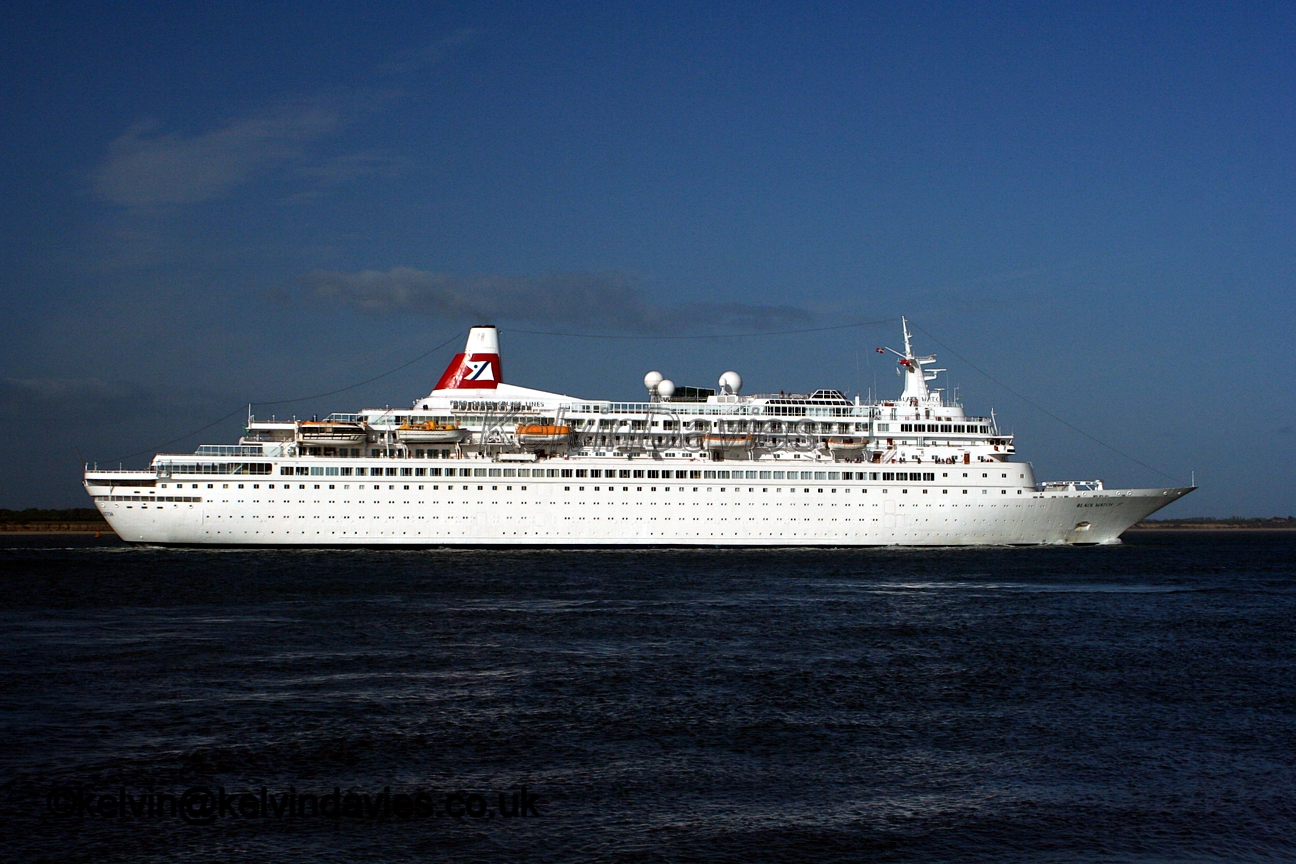 News) REUNION - Le paquebot MS BOUDICCA will call at Mayotte ...