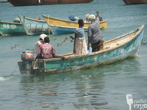 News) SOMALIA- New GPS devices for boats in Bosaso in order